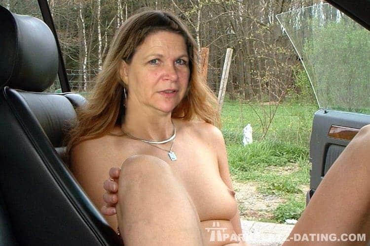 Parkplatzsex mit einer reifen Frau.