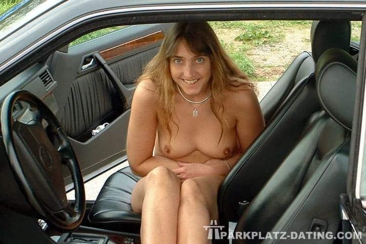 Ich habe voll gern Sex im Auto.